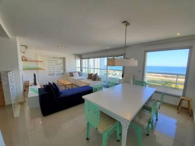 Exclente departamento en playa brava. Vista al mar !!