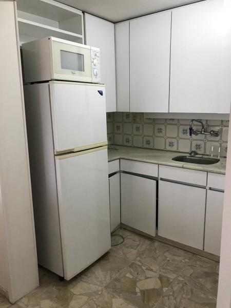 Apartamento Ref.28 - Departamento en Península. 1 dormitorio y medio.