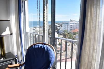 Terraza con vista a la Playa Brava
