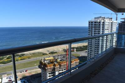 A estrenar, terraza con parrillero, buena vista al mar