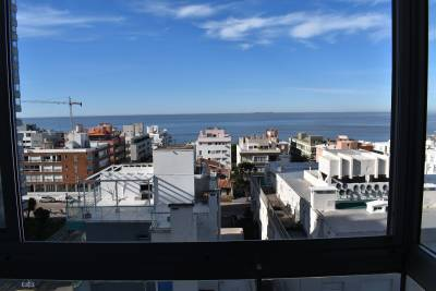 Edificio Fontemar , vista a Playa Brava, impecable estado