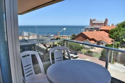 Linda terraza con vista al mar