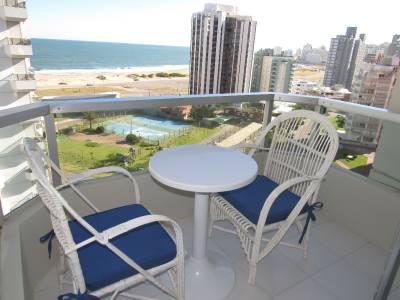 Terraza con linda vista a la Playa Brava