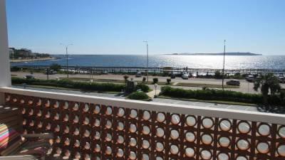 Terraza con vista a la Playa Mansa