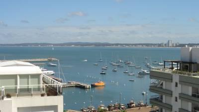 Proximo al Puerto,  terraza y buena vista , entrega 50% y saldo a 2 años