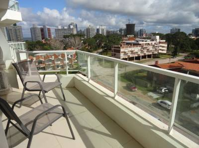 Edificio nuevo , amplia terraza, buenos servicios