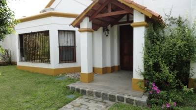 Comoda casa en la zona de Rincon del Indio