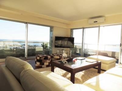Apartamento con vista impactante al puerto  en Punta del Este
