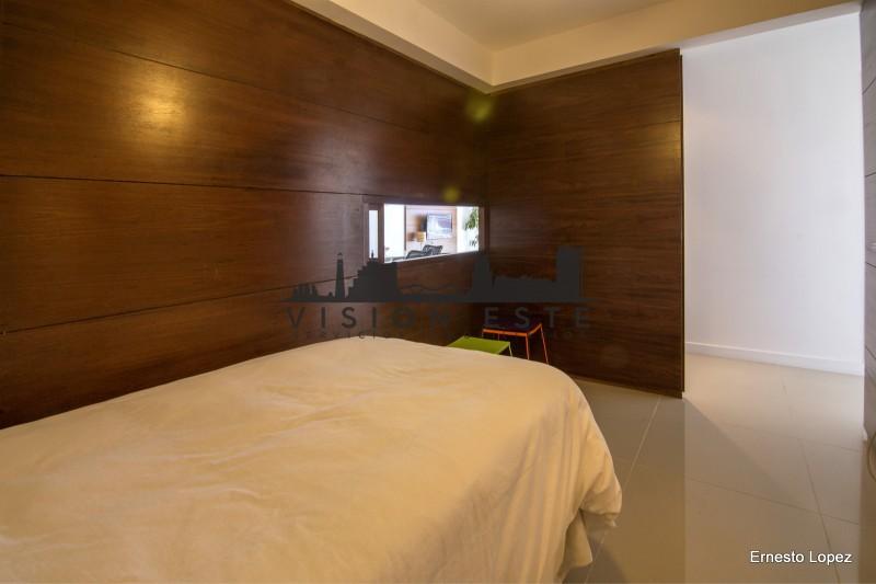 Apartamento ID.284 - Venta Departamento en Punta del Este playa brava, piso alto con vista al mar