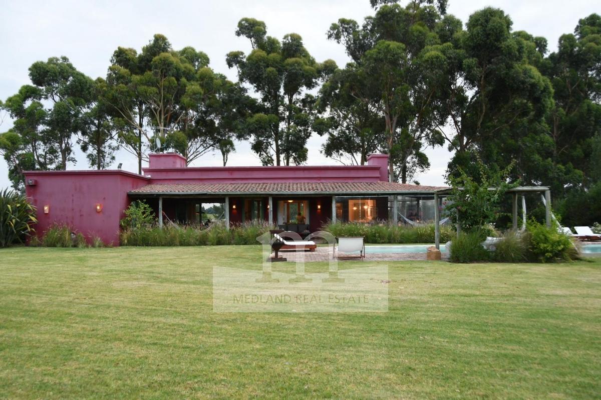 Casa ID.28 - Venta Excelente casa en El Quijote Chacras