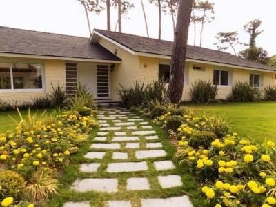 Casa en venta y alquiler temporario Playa Mansa 4 dormitorios