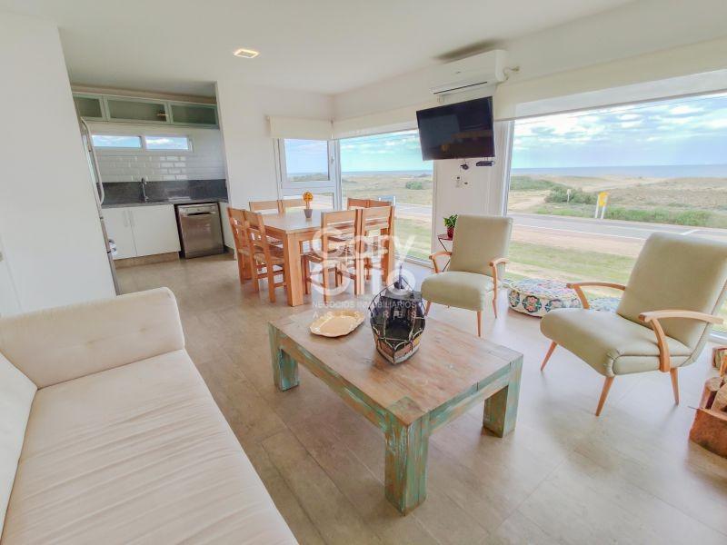 Casa ID.5068 - Casa en venta frente al mar, 3 dormitorios
