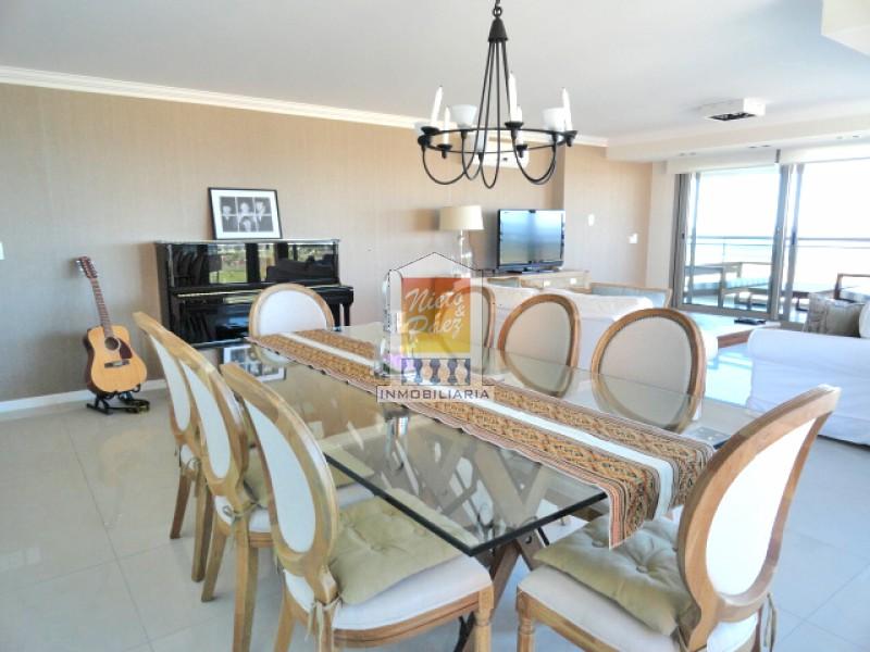 Apartamento ID.22534 - Torre de primer nivel, 3 suites, toilette, dependencia de servicio, 2 garajes