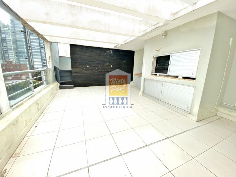 Apartamento ID.8179 - 282 m2 U$S 350.000.- Pileta propia, 4 dorm, parrillero techado, 2 garajes grandes