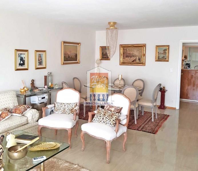 Apartamento ID.37645 - Penthouse Al Frente Sobre Boulevard España A 1 Cuadra De La Rambla, Garaje