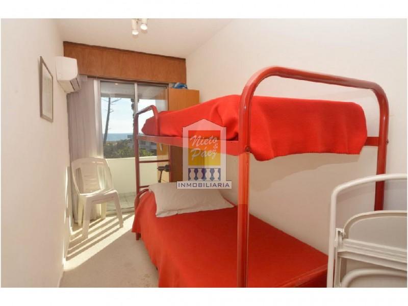 Apartamento ID.1757 - REBAJADO!! Dúplex con parrillero propio. 3 dorm. Garaje, mucamas.