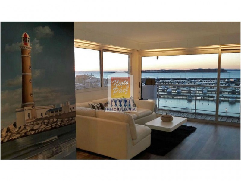 Apartamento ID.7705 - Zona puerto, amplia planta, 6 dormitorios + dependencia de servicio.