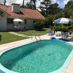 Casa en venta Cantegril 3 dormitorios + servicio