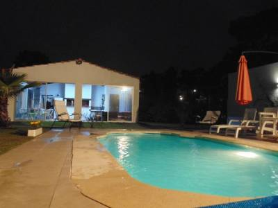 Casa en venta y alquiler temporario  3 dormitorios + servicio