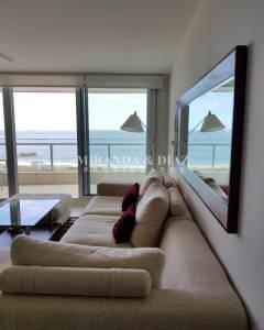 Punta del Este lo invita disfrute de Playa Mansa.