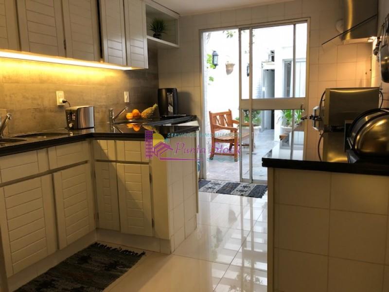 Apartamento Ref.173 - APARTAMENTO FRENTE AL MAR ZONA PUERTO