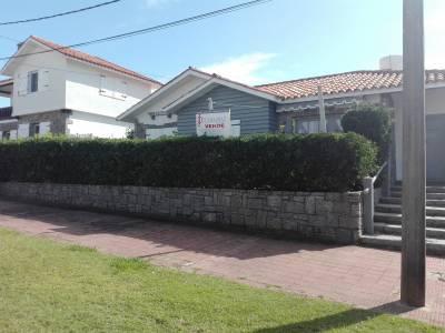 CASA EN LA PENINSULA EXCELENTE UBICACION