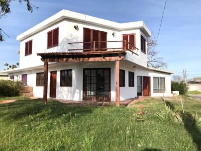 CASA EN MALDONADO, VENTA Y ALQUILER ANUAL