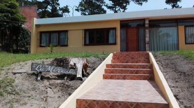 San Rafael,living comedor,3 dormitorios,2 baños,dependencia y garage