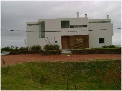 Casa en Punta Piedras, 3 dormitorios