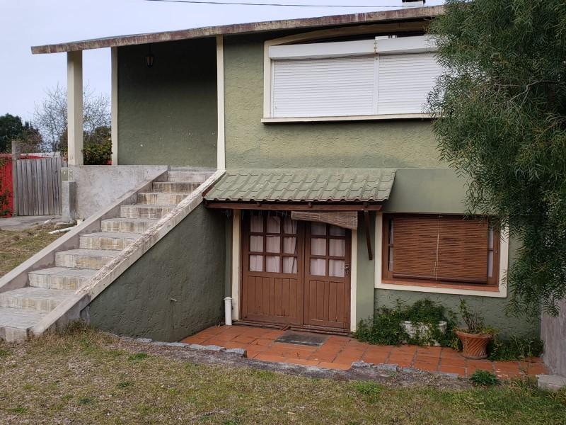 Casa ID.5652 - Venta casa de 3 dormitorios con 2 baños en Jardines de Cordoba