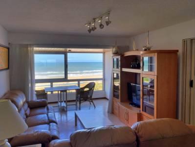 Apartamento de 2 dormitorios frente al mar