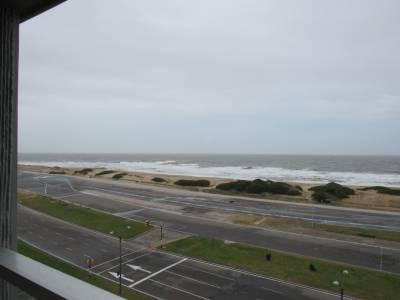 Primera linea sobre playa brava, 116 m2