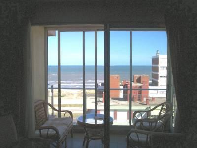 Apartamento en Playa Brava con linda vista al mar