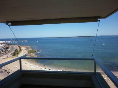 Excelente apartamento frente a playa mansa