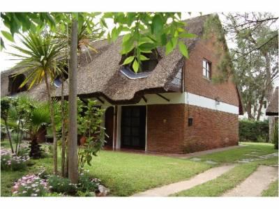 Casa Codigo #Casa en venta a 600 mtrs del mar