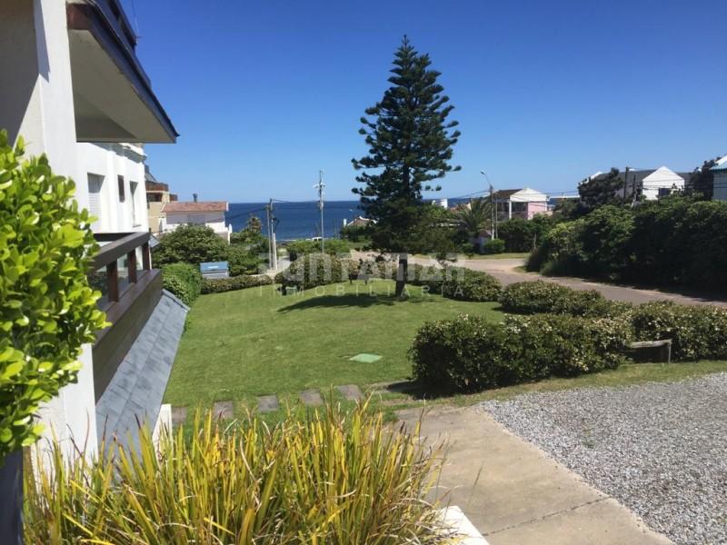 Apartamento ID.211867 - Departamento en alquiler, terraza con parrillero, vista al mar, piscina, La Barra, Montoya
