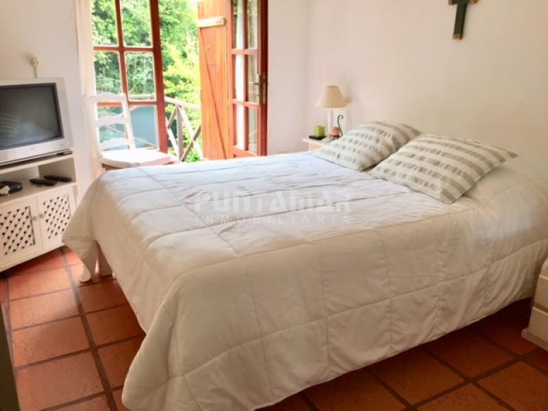 Apartamento ID.13013 - Montoya, 3 dormitorior, 2 baños, vista al mar, parrillero propio