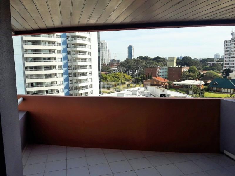 Apartamento ID.211857 - EDIFICIO CON AMENITIS A PASOS DE PLAYA BRAVA , DOS DORMITORIOS Y DEPENDENCIA DE SERVICIO.