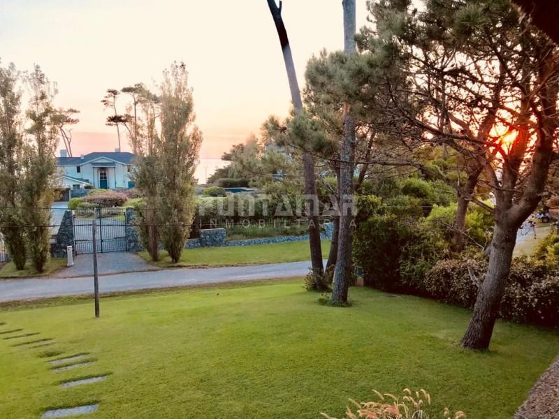 Casa ID.211955 - Casa en venta y alquiler anual en Pinares