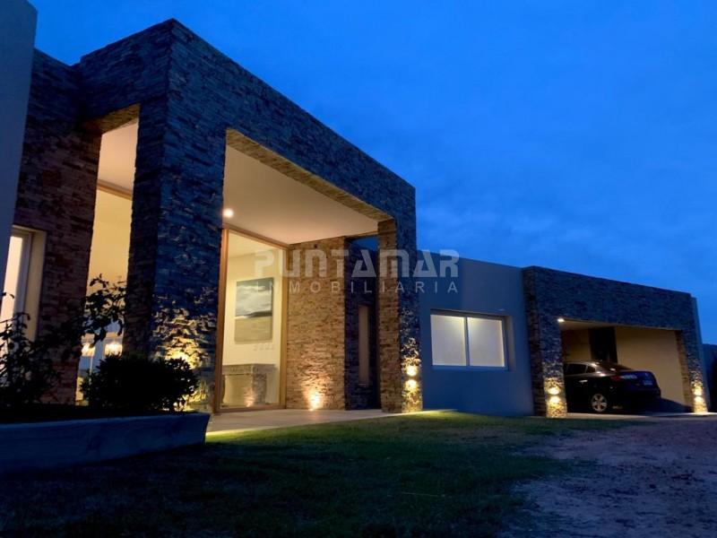Casa ID.211900 - Casa en alquiler barrio cerrado Pueblo Mio