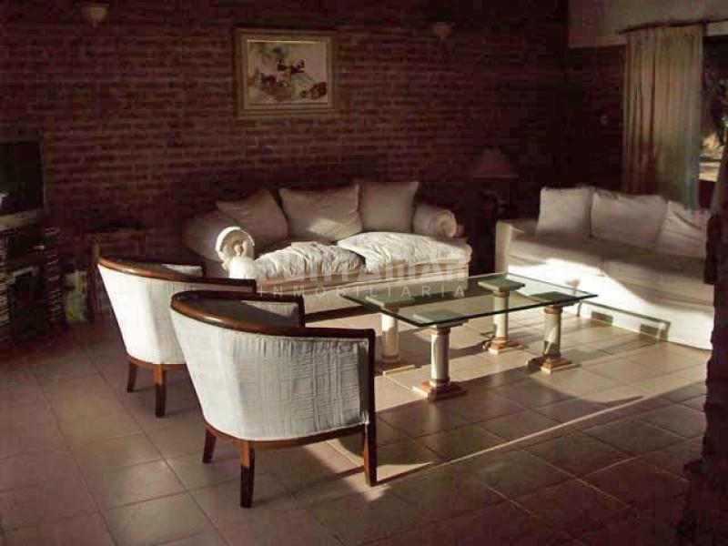 Casa ID.210457 - Casa en venta y alquiler anual