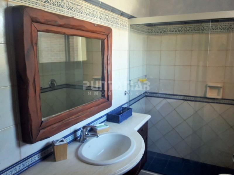 Casa ID.210546 - Excelente chalet con espacios amplios y muy buena distribución, cerca de la playa