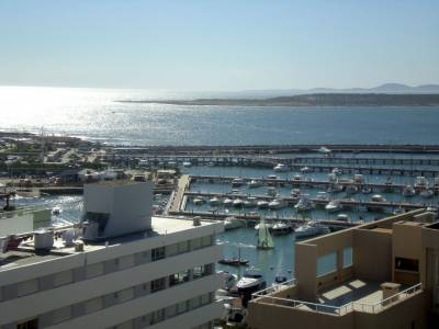 Reciclado a nuevo con impactante vista al Puerto !!!