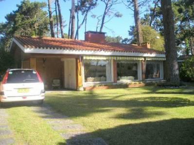 CORAZÓN DE PARADAS - Casa en Mansa, 3 dorms y hab de servicio *