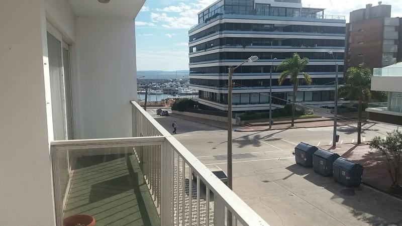 Apartamento ID.5596 - PENINSULA EXCELENTE UBICACION 2 DORMITORIOS 2 BAÑOS RECICLADO