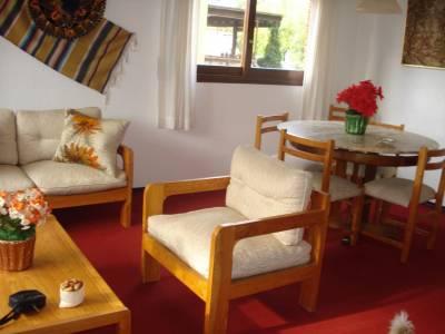 Muy buena casa para 4 personas, muy buen entorno,  propiedad horizontal.-