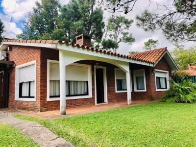 Alquiler temporario y Venta de Casa 3 DORMITORIOS en Pinares, Punta del Este
