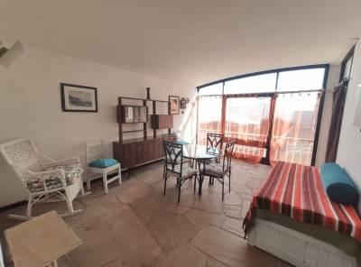 Apartamento alquiler anual en Punta del Este, Zona Peninsula, 1 dormitorio, cerca del mar