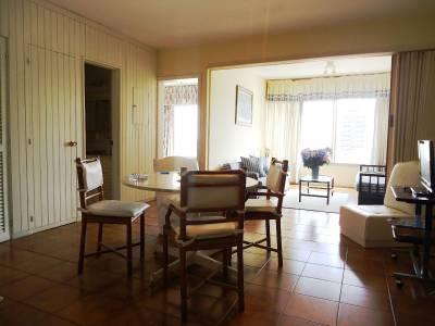 Apartamento en Alquiler en  Punta del Este, Península muy buena ubicación en el centro y  próximo a la playa y