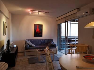 Apartamento en Punta del Este, mansa frente al mar.